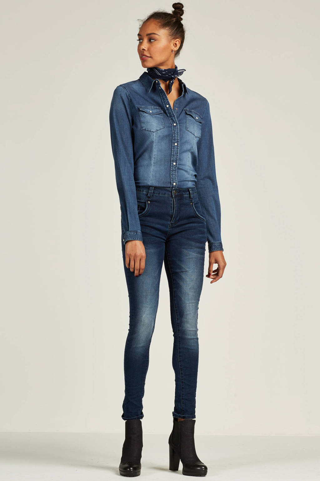 MAC Carrie Pipe coated jeans, Zwart