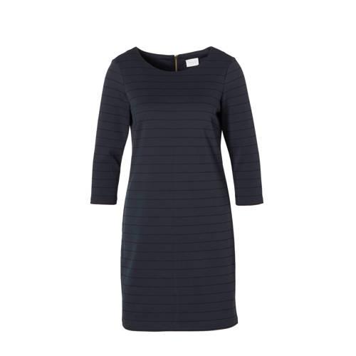 jurk, VILA dames jurk gemaakt van een jersey kwaliteit. Het model heeft een ronde hals, 3/4 mouwen en valt iets wijder. De jurk sluit aan de achterkant met een rits.Extra gegevens:Merk: VILAKleur: BlauwModel: Jurk (Dames)Verzendkosten: 0.00Plaatje: Fig1Maat/Maten: 40 (L)Levertijd: uitverkochtAantal reviews: 18Gemiddelde rating: 4.10
