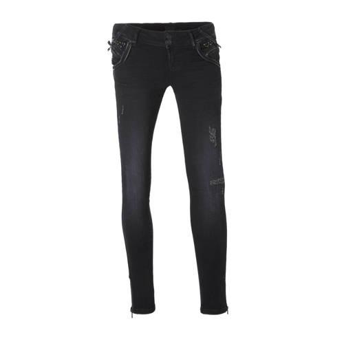 LTB Rosella super slim jeans, Dames Rosella super slim jeans van LTB, uitgevoerd in een zachte denim kwaliteit met studs, leren en rits details rond de zakken. Deze jeans heeft een aansluitende pasvorm en is voorzien van diagonale riemlussen, rits- met knoopsluiting en enkele beschadigde details op de bovenbenen.Extra gegevens:Merk: LTBKleur: BlauwModel: Jeans (Dames)Voorraad: 1Verzendkosten: 0.00Plaatje: Fig1Plaatje: Fig2Maat/Maten: 28Levertijd: direct leverbaar