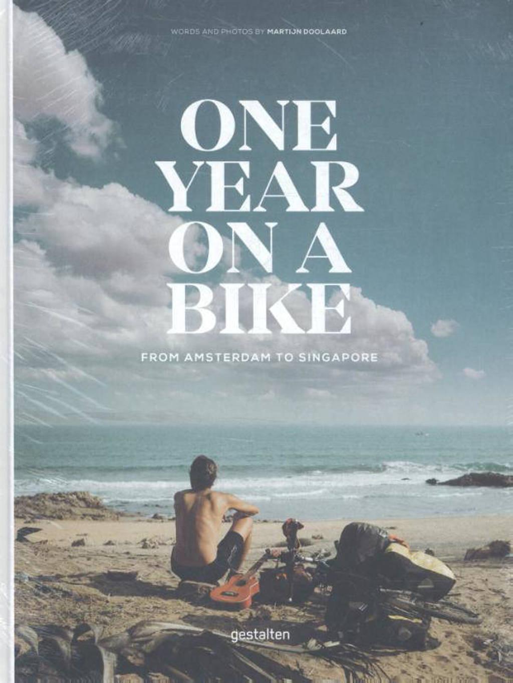 One Year on a Bike - Doolaard, Martijn
