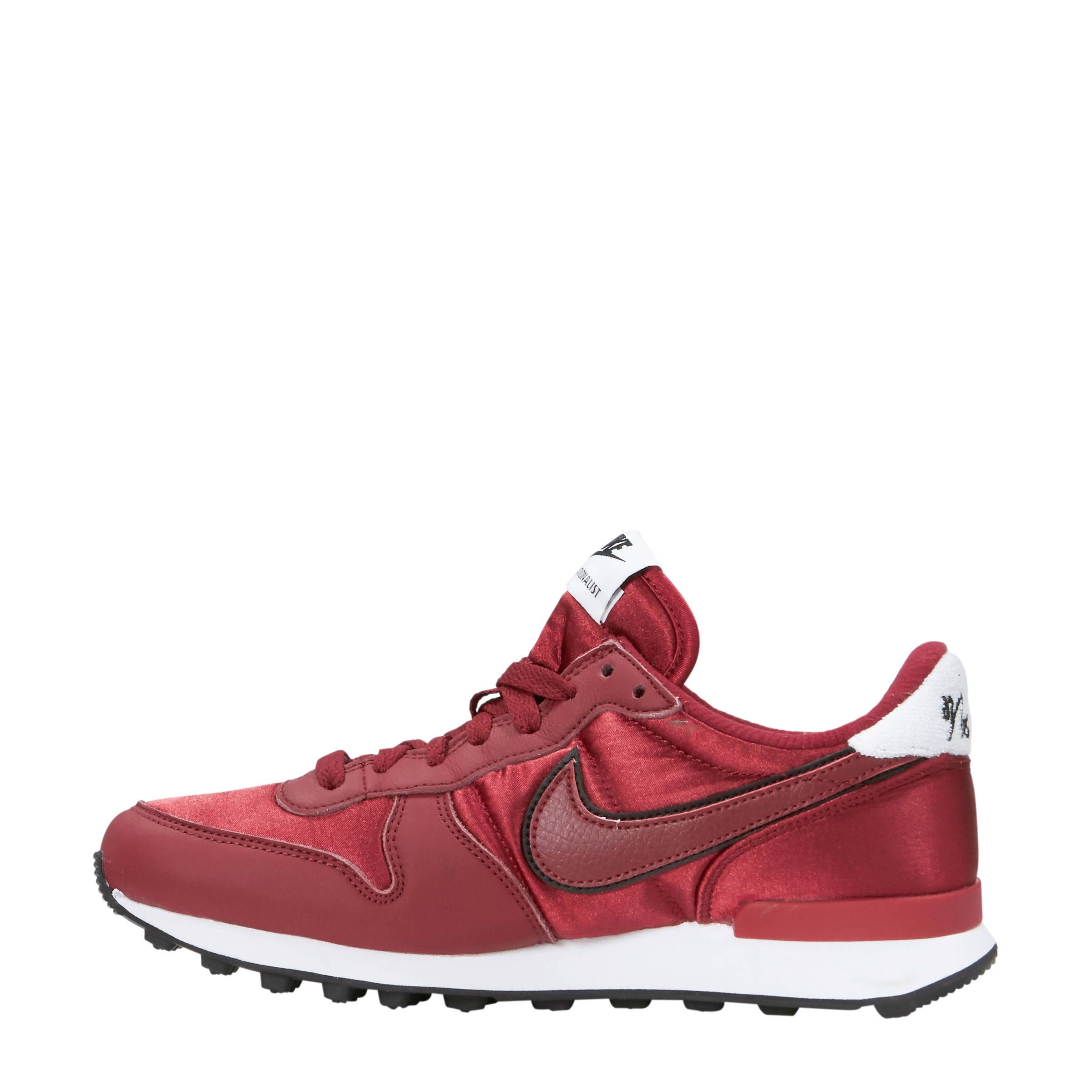 new concept da93d 7623c Nike Internationalist Heat sneakers donkerrood   wehkamp