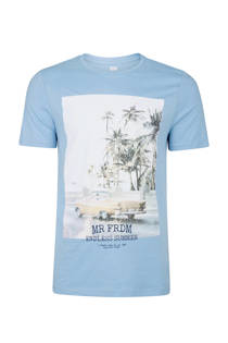 WE Fashion slim fit T-shirt met print lichtblauw