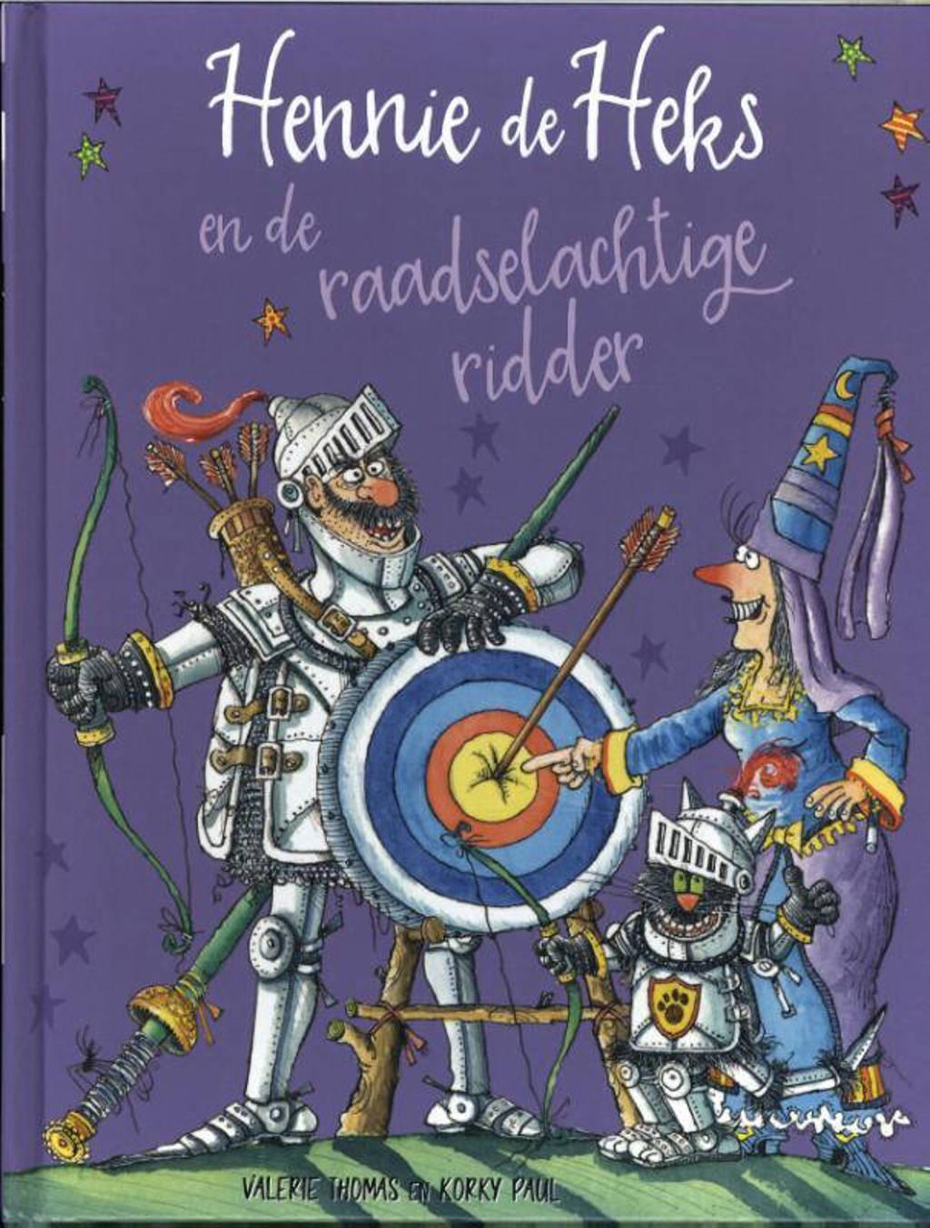 Hennie de Heks: Hennie de Heks en de raadselachtige ridder - Valerie Thomas en Korky Paul