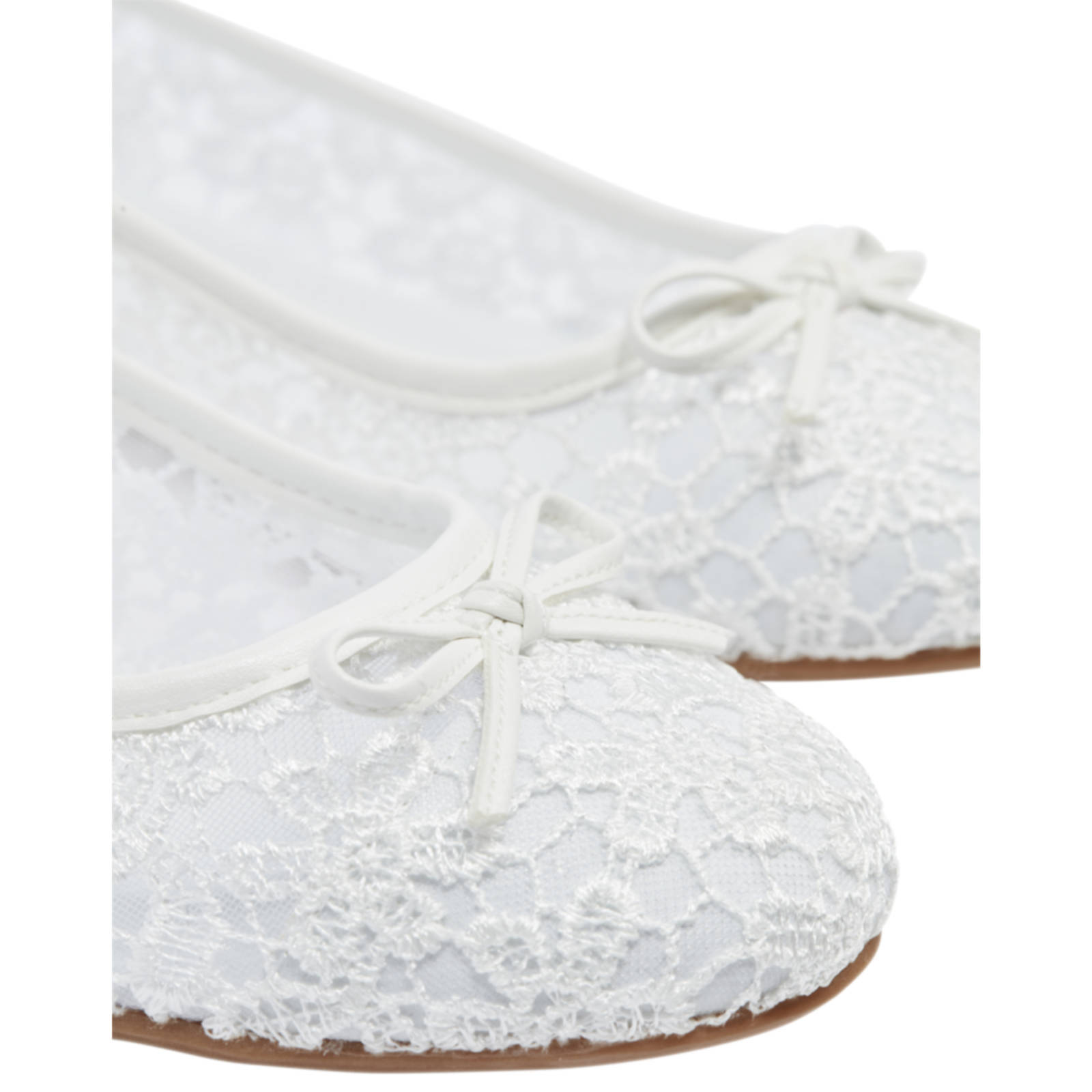 schoenen wit kant van haren graceland