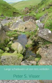 Lange schaduwen uit een Iers verleden - Peter S. Visser