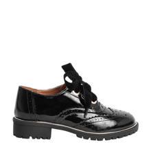 lakleren schoenen met oogjes