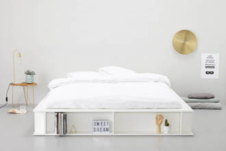 bed Como