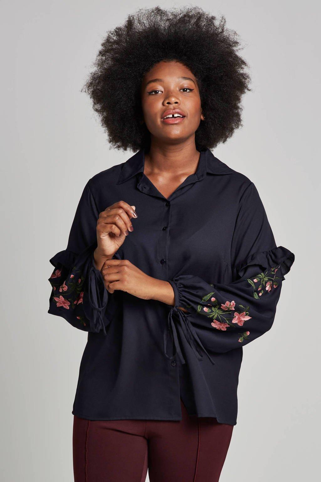 Lost Ink Plus blouse met borduursels, Donkerblauw