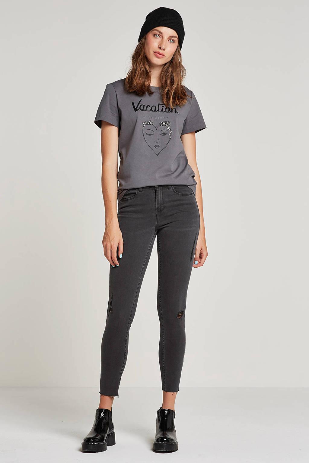 VILA cropped slim fit jeans met slijtagedetails, Grijs