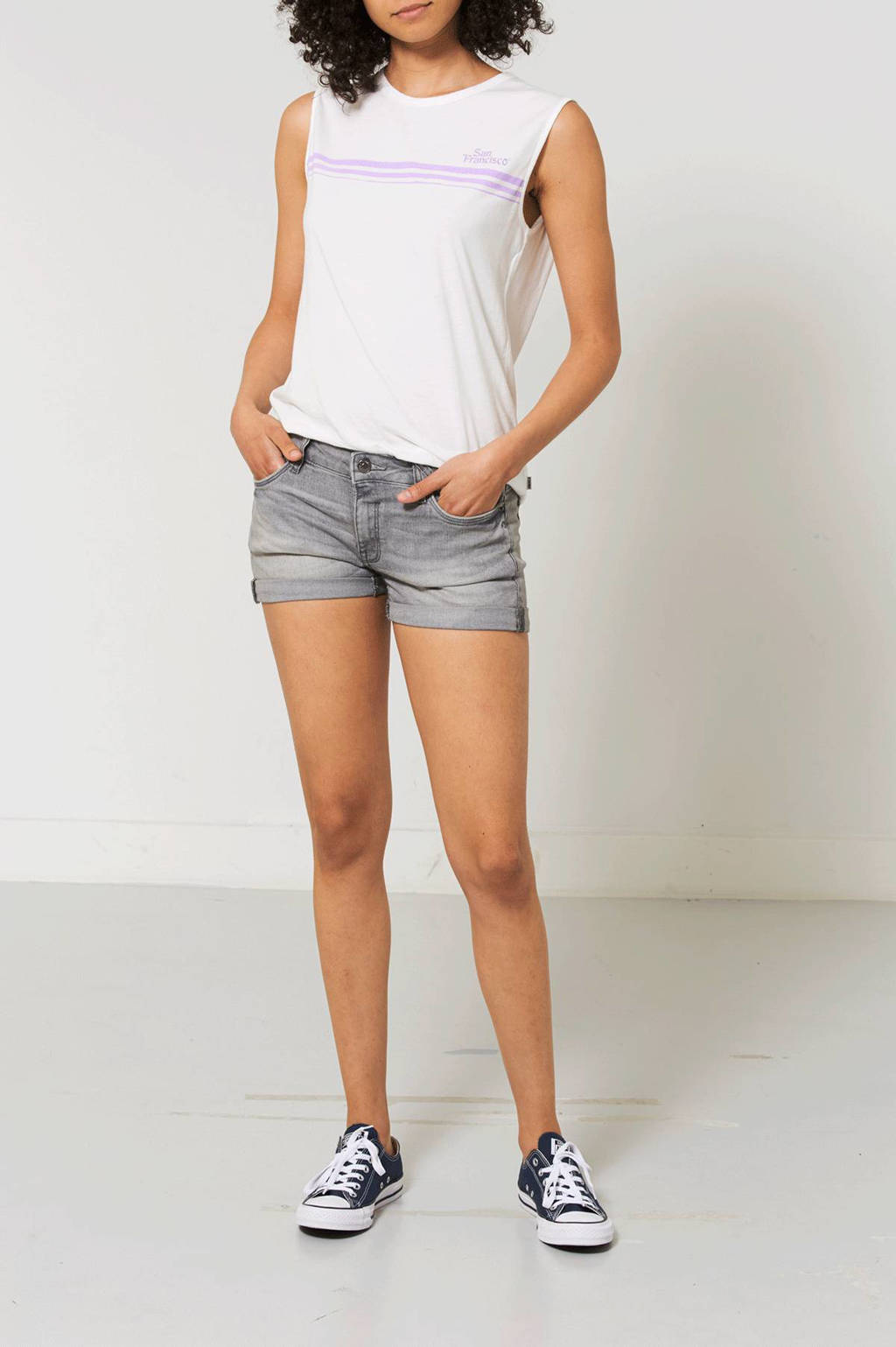 America Today Lace low waisted jeans short, Grijs