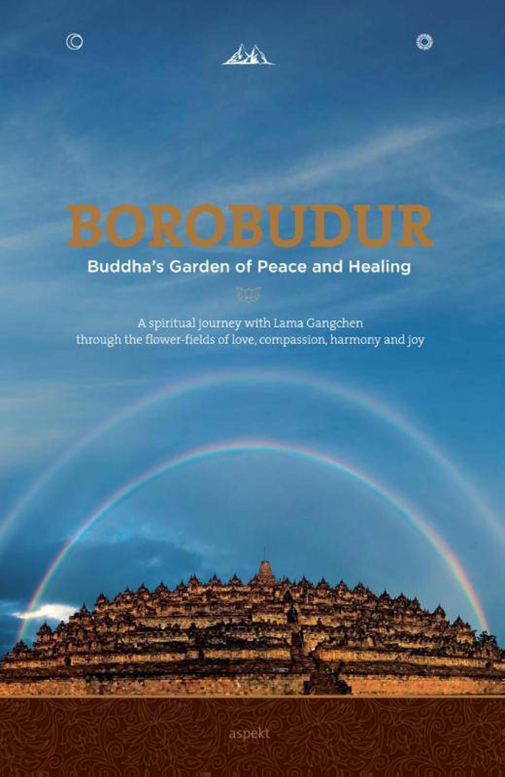 Borobudur - Karin Zwaan en Irene Zwaan