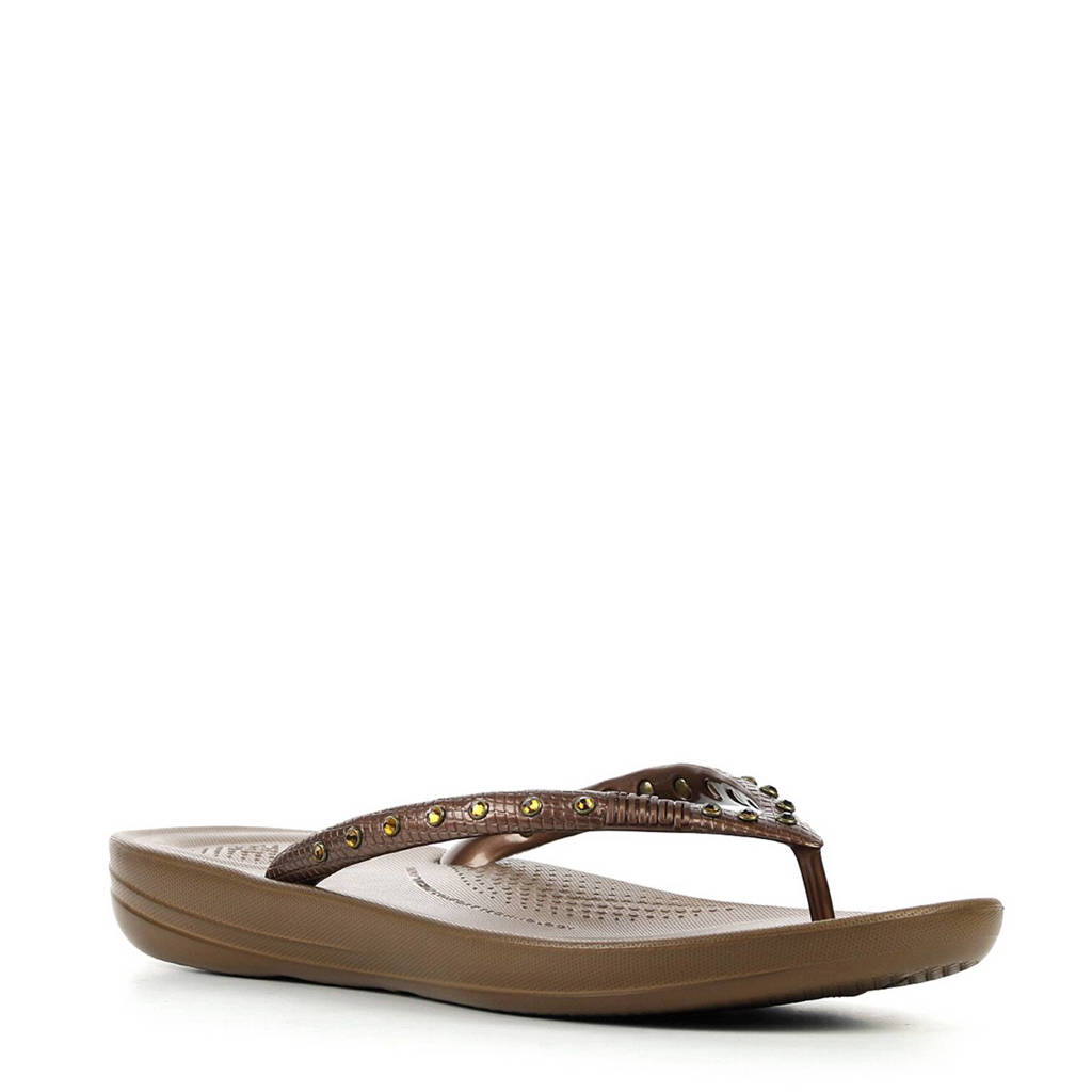 FitFlop TM Iqushion Crystal teenslippers met studs, Roodbruin