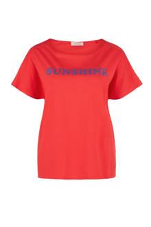 T-shirt met tekst rood