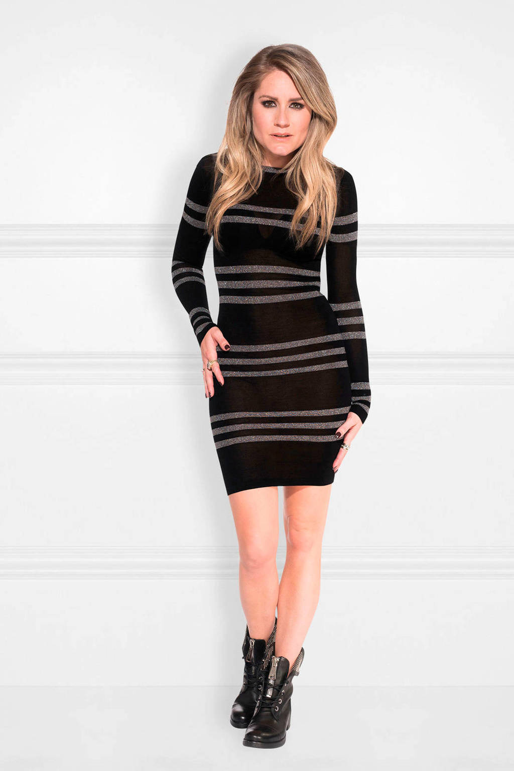NIKKIE Jara jurk met glitters, Zwart