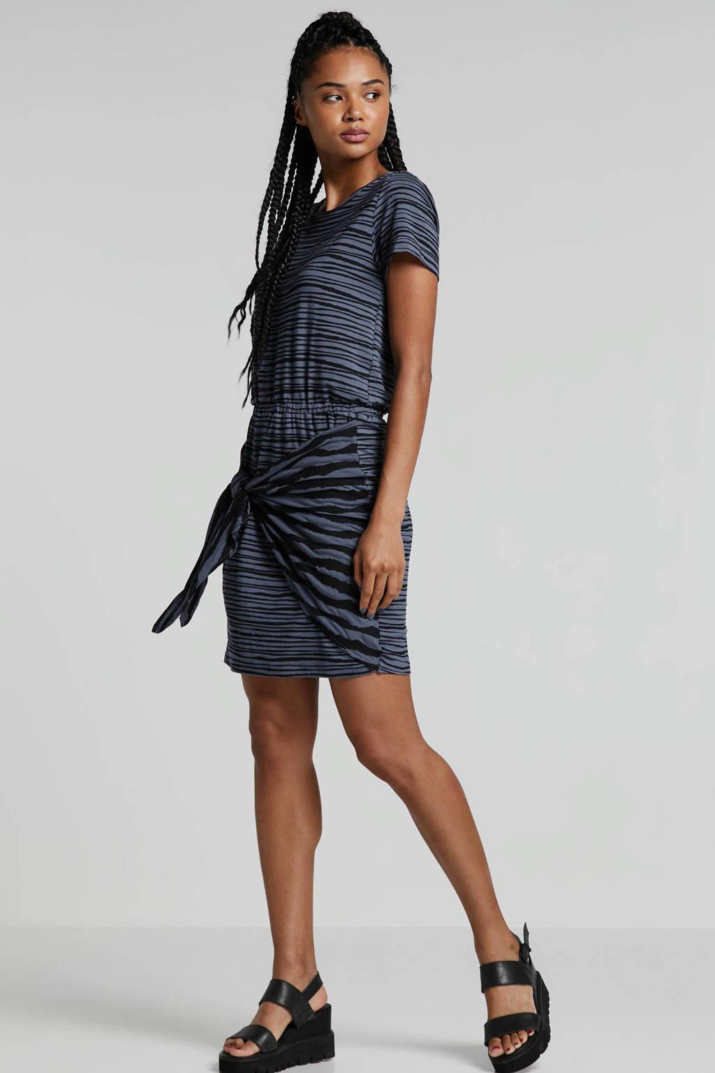 whkmp's beachwave jurk met strikdetail blauw, Blauw/zwart