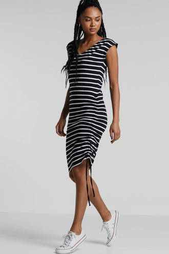 gestreepte jurk met V-hals