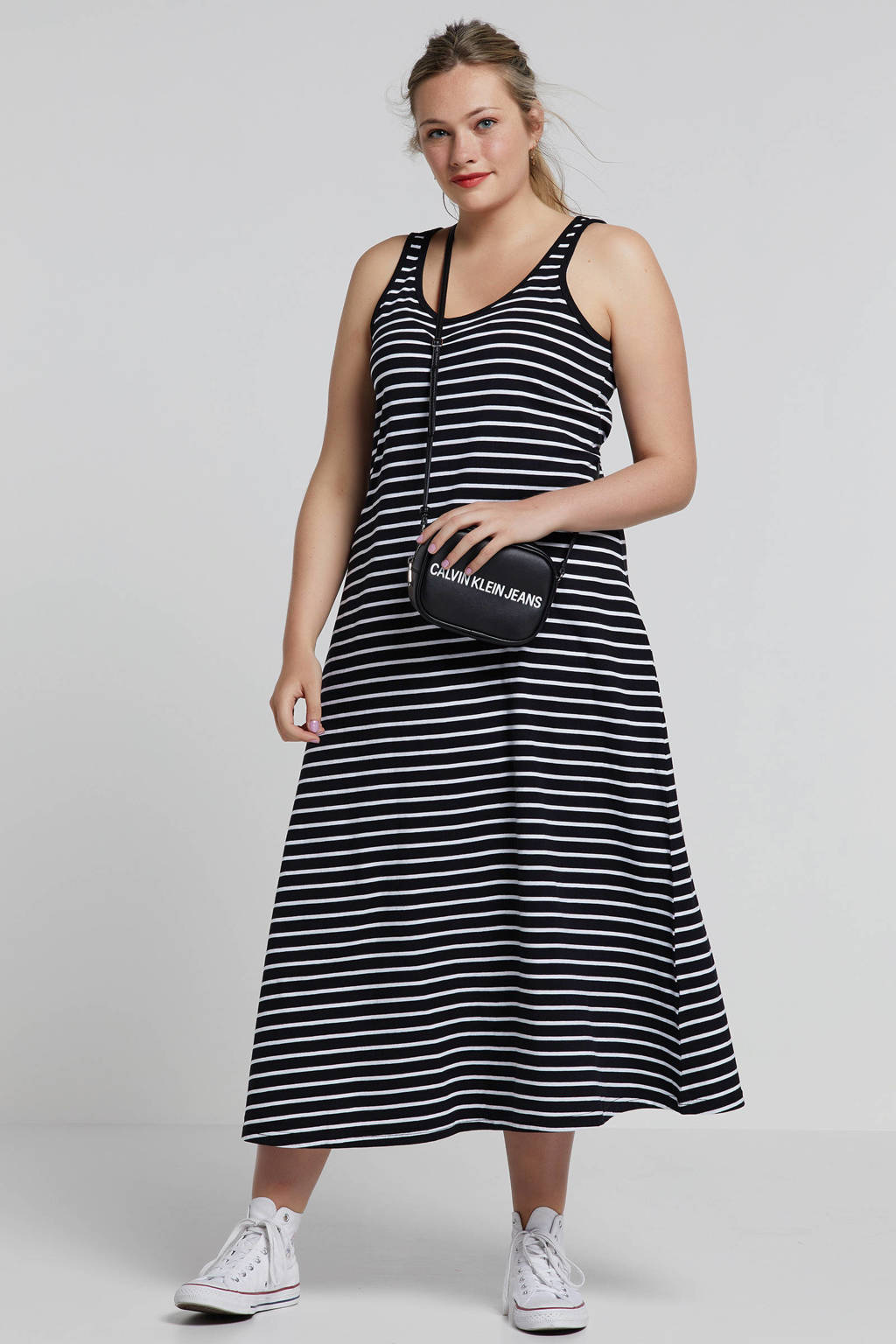 345afa53942186 Zizzi gestreepte maxi jurk zwart