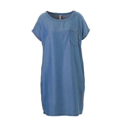 whkmp's great looks tencel jurk, Soepelvallende whkmp's great looks jurk gemaakt van zacht geweven tencel in denimlook. Het rechte model jurk heeft aangeknipte kapmouwen, een wijde ronde hals, een borstzak en steekzakken in de zijnaad. De jurk valt net over de knie.Extra gegevens:Merk: whkmp's great looksKleur: BlauwModel: Blousejurk (Dames)Voorraad: 5Verzendkosten: 0.00Plaatje: Fig1Maat/Maten: 56Levertijd: direct leverbaarAanbiedingoude prijs: € 64.99