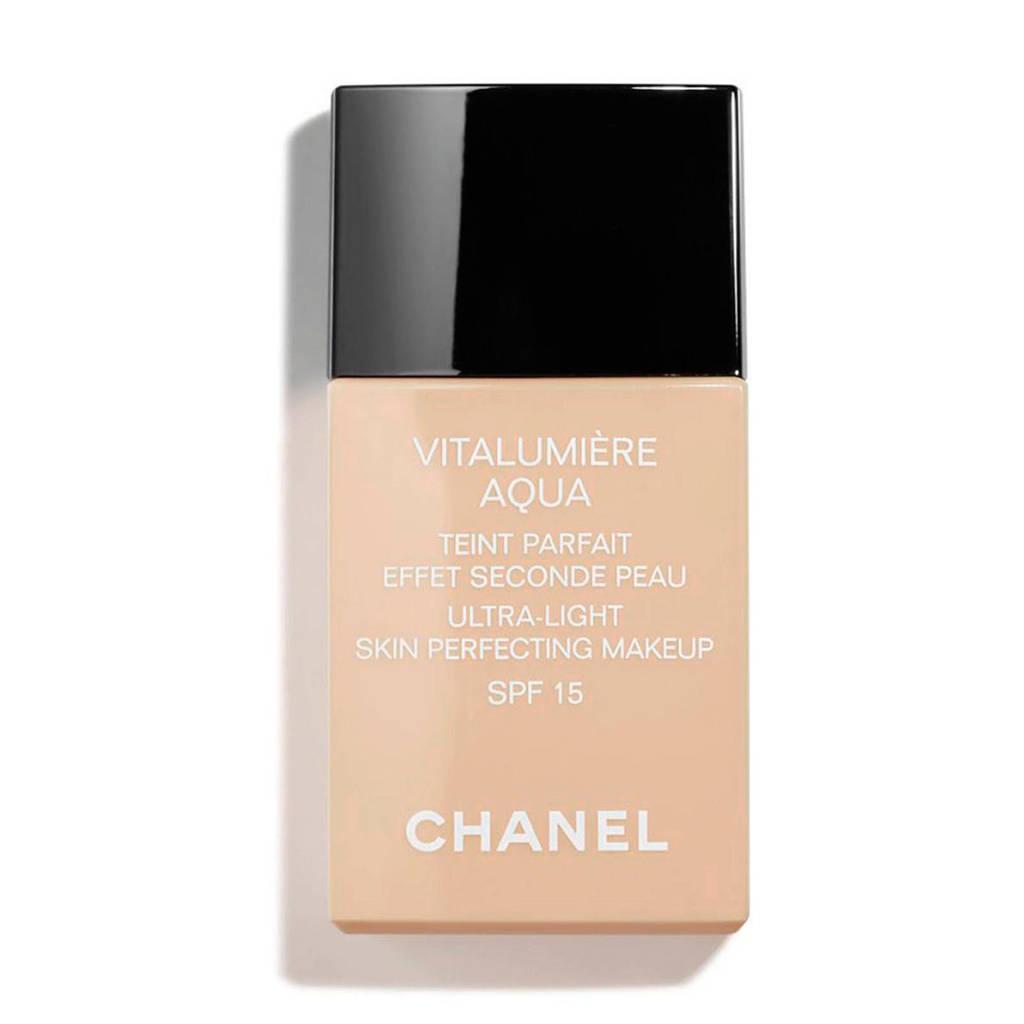 Chanel Vitalumière Aqua SPF15 foundation - 30 Beige