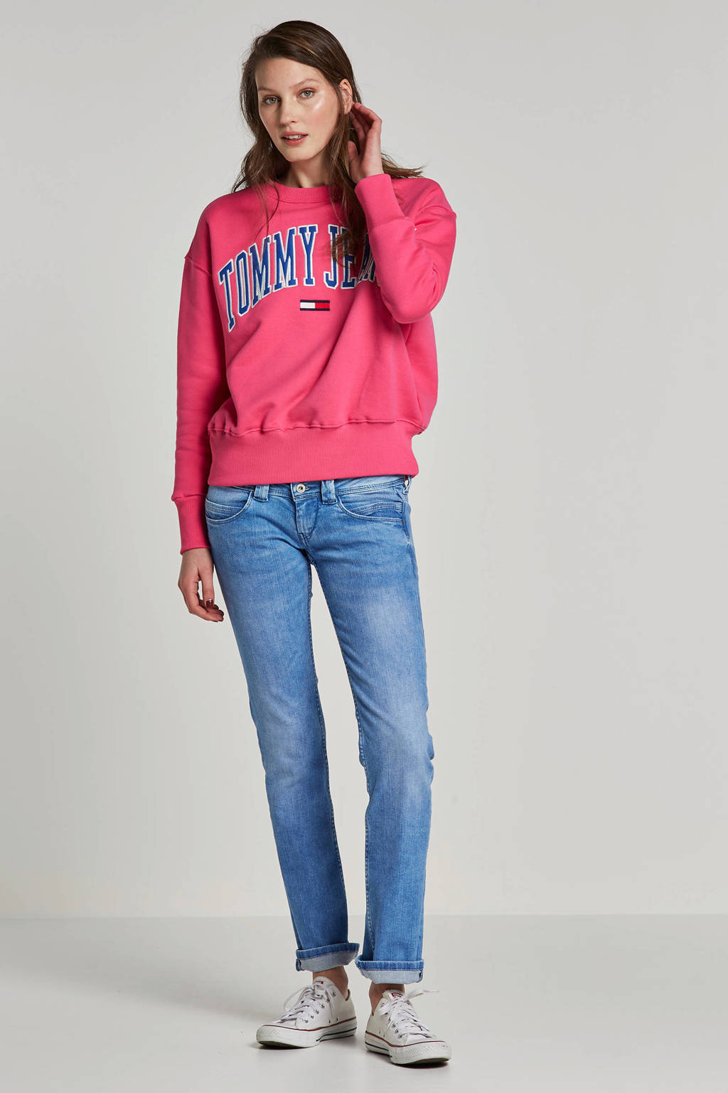 Tommy Jeans sweater met geborduurd logo, Roze