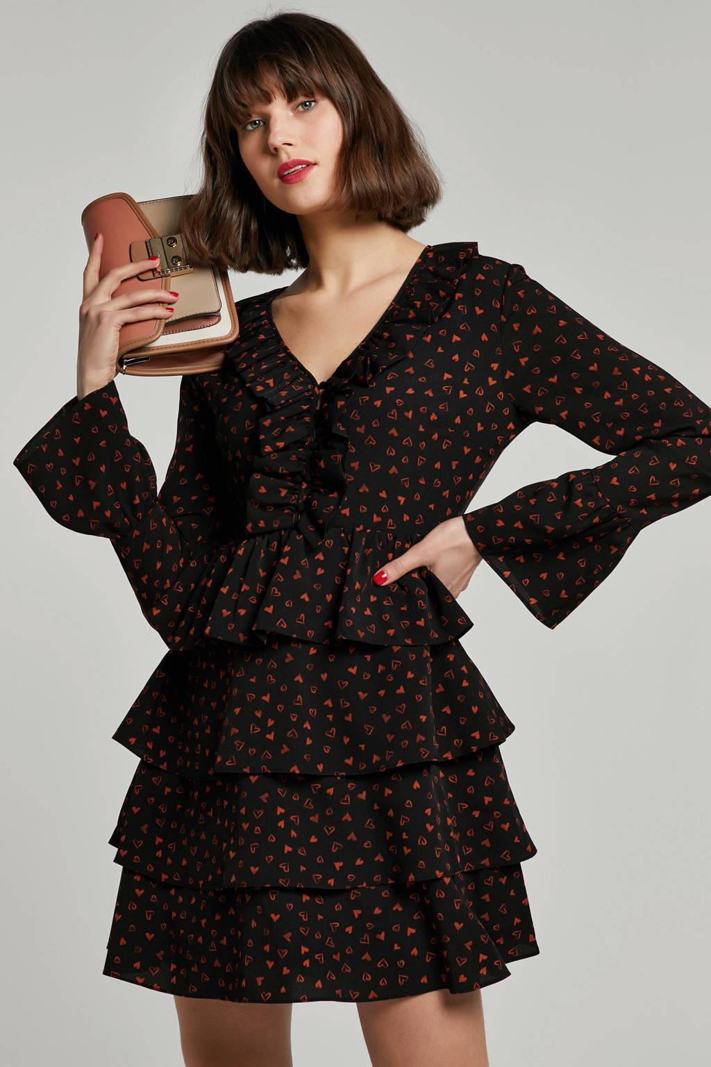 NIKKIE jurk met hartjes zwart, Zwart/bruin