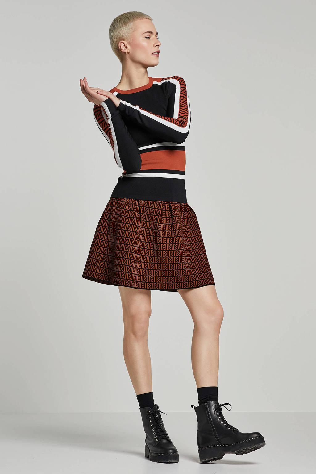 NIKKIE rok met logo bruin/ zwart, Bruin/ zwart
