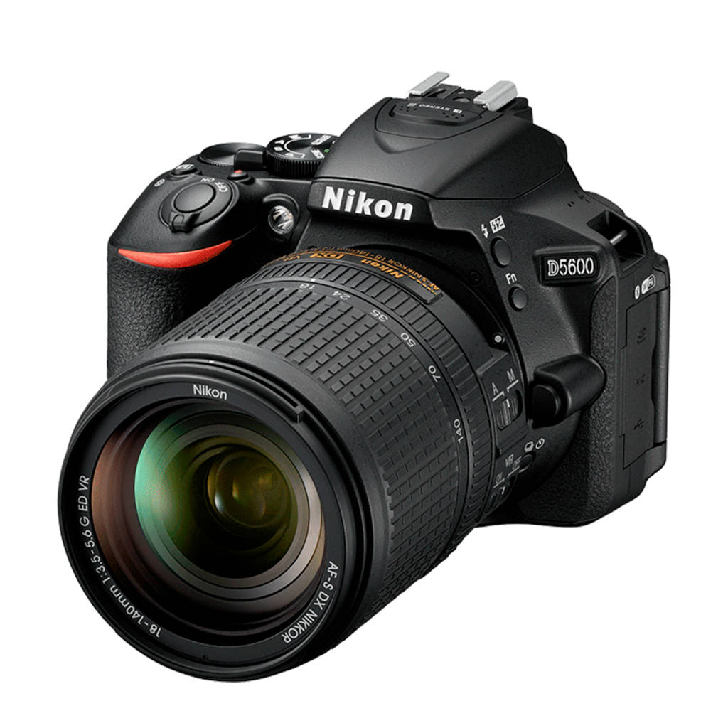 Nikon D5600 18-140VR PACK INCL TAS & 8GB SD KAART Spiegelreflex camera