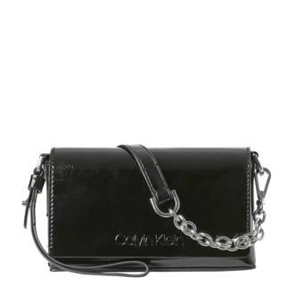 fcb18641a76 Calvin Klein. Side EW crossbody tas zwart. 99.95. crossbody tas Dressed Up  Pouch On Chain zwart