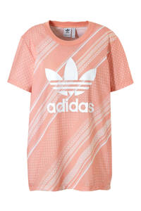 adidas / adidas originals T-shirt met all over print zalmroze/wit