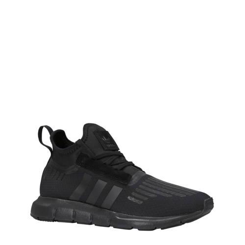 Swift Run Barrier sneakers zwart