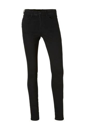 skinny jeans fit Nela