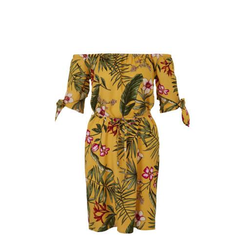 whkmp's beachwave jurk met boothals en bloemenprint, whkmp's beachwave jurk gemaakt van zomers geweven viscose met bloemenprint. De jurk heeft een wijde elastische boothals en half lange mouwen met strik. De taille wordt geaccentueerd met een smalle bindceintuur.Extra gegevens:Merk: whkmp's beachwaveKleur: GeelModel: Jurk (Dames)Voorraad: 9Verzendkosten: 0.00Plaatje: Fig1Plaatje: Fig2Maat/Maten: 48Levertijd: direct leverbaar