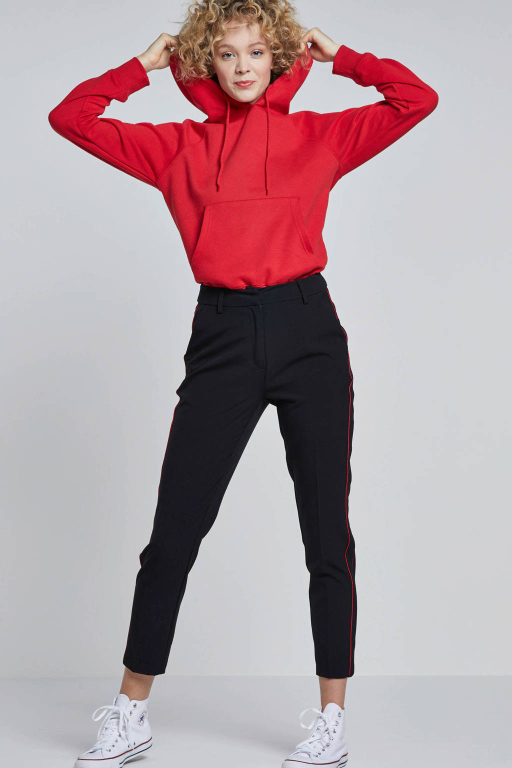 Catwalk Junkie pantalon met streep, Zwart/ rood