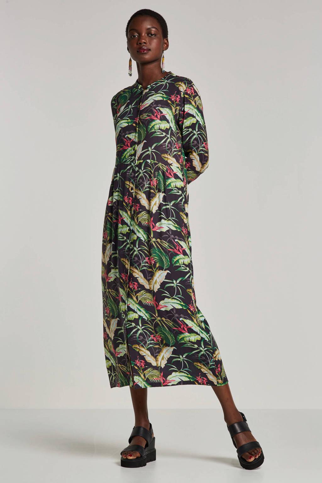 Geisha maxi jurk met bladprint groen, Groen/zwart/rood