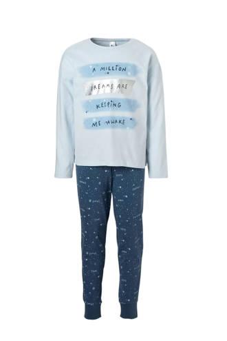 Here & There pyjama met tekst blauw