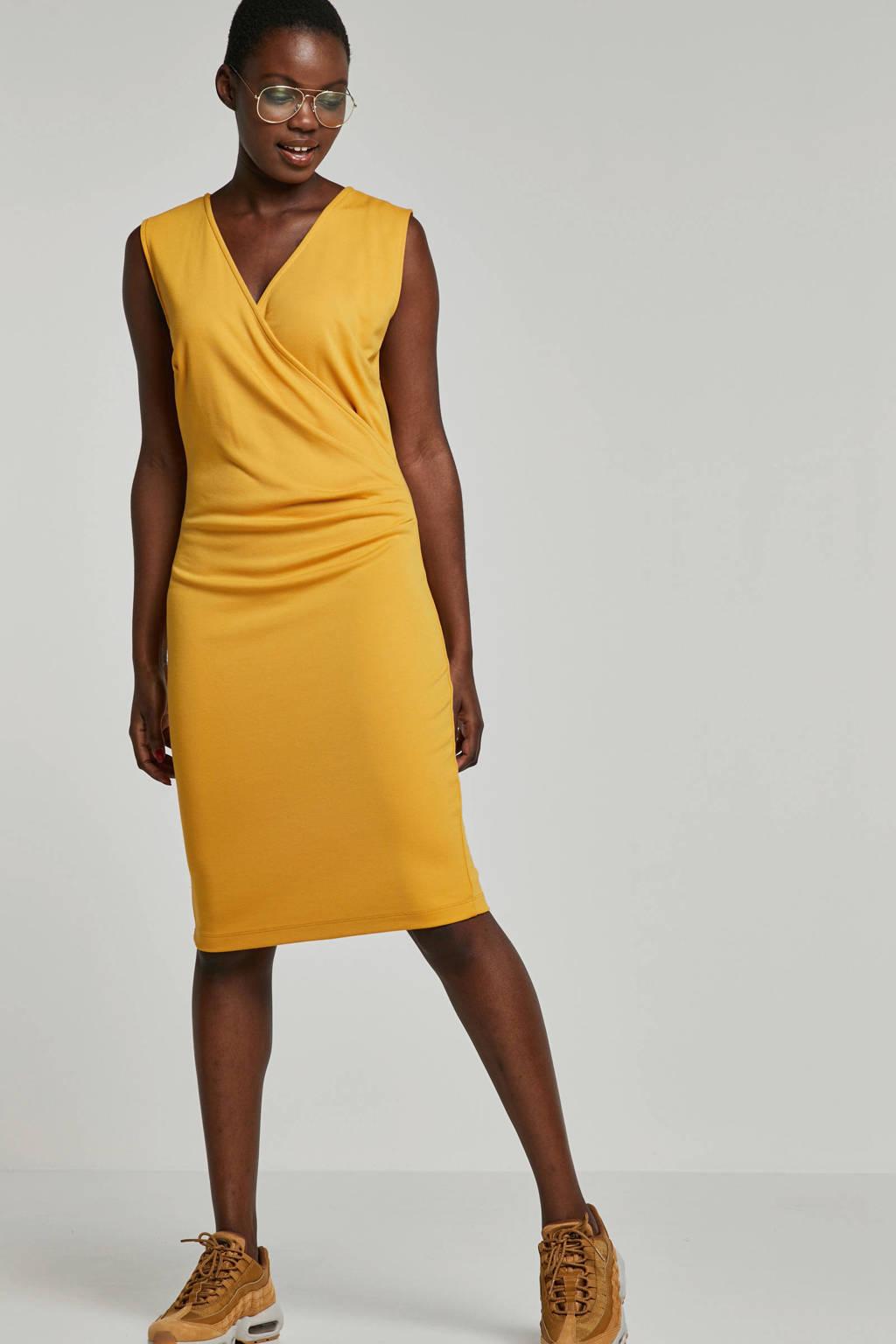 whkmp's own jurk met overslag, Okergeel
