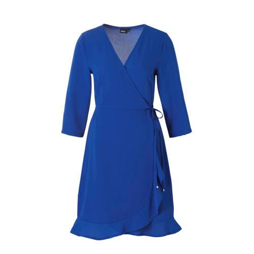 wikkel look jurk, Opvallende wikkel-look jurk, gemaakt van crêpe geweven stretchpolyester. De jurk, met 3/4 mouw, heeft een overslag bovenkant en overslag rok, beide vastgemaakt in de taille en met een strikkoord in de linkerzijnaad, waardoor de wikkel-look ontstaat. De onderkant is afgewerkt met een rush. De jurk valt op het bovenbeen.Extra gegevens:Kleur: BlauwModel: Jurk (Dames)Voorraad: 9Verzendkosten: 0.00Plaatje: Fig1Plaatje: Fig2Maat/Maten: 38Levertijd: direct leverbaarAantal reviews: 1Gemiddelde rating: 1.00Aanbiedingoude prijs: € 59.99