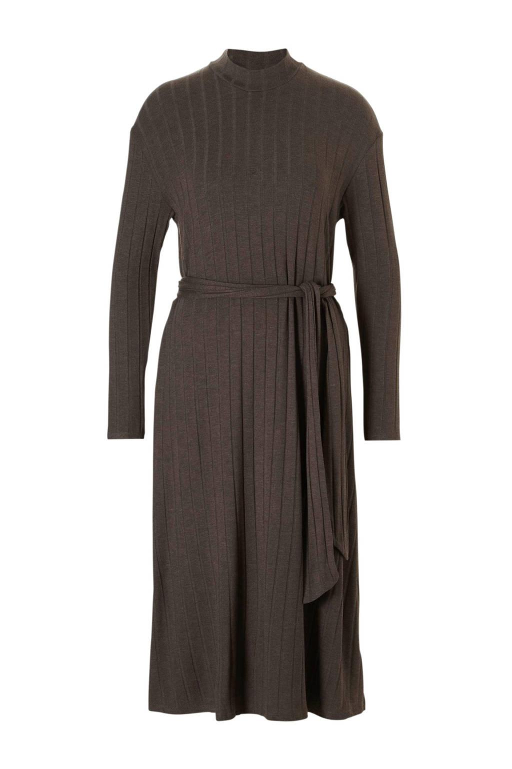 0c8027041c3ed3 Mango gebreide jurk met ribpatroon bruin
