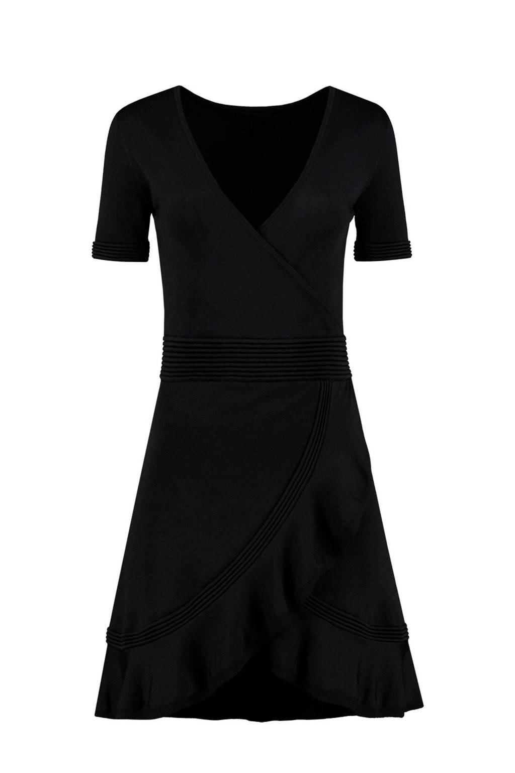 NIKKIE Jori jurk met ruches zwart, Zwart