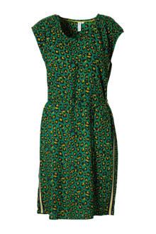 jurk met panterprint en zijnaadbies