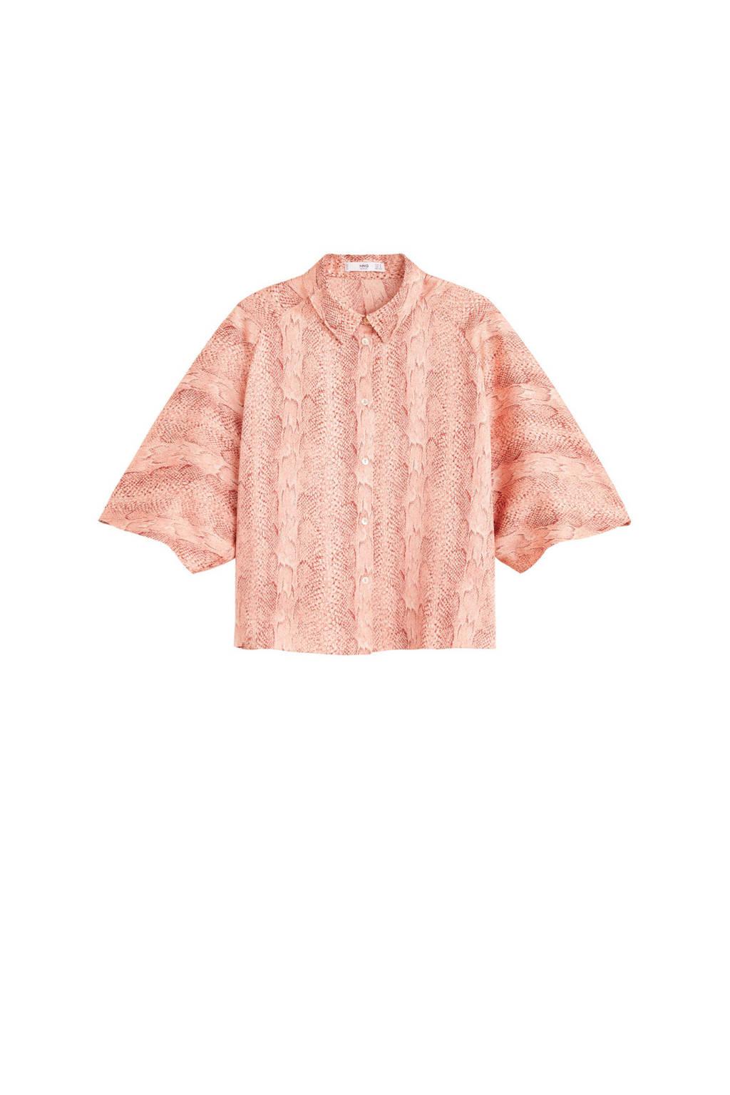 Mango korte satijnen blouse met slangenprint, Roze