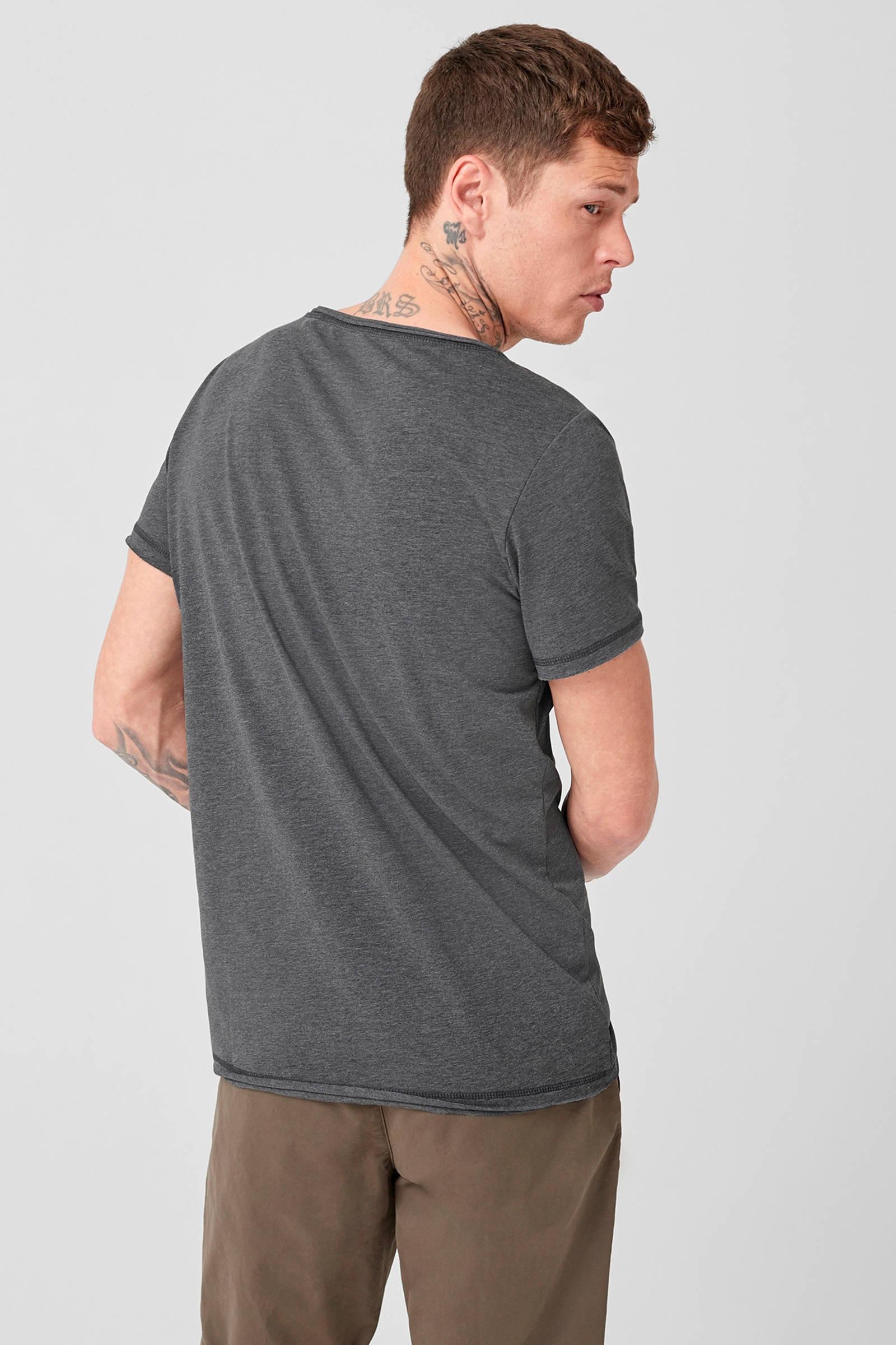 designed by T Q shirt S gpw00q5