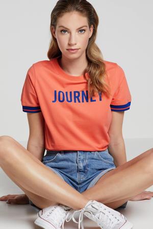 T-shirt met contrastbies koraalrood