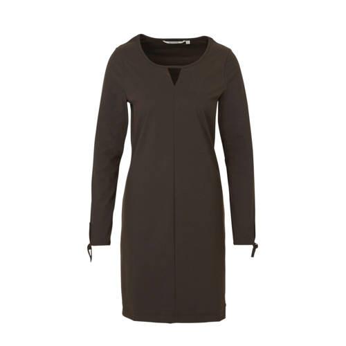 Moscow jersey jurk van travelstof bruin, Deze damesjurk van Moscow is gemaakt van travelstof. De jurk met lange mouwen heeft verder een ronde hals.details van deze jurk:open detailsExtra gegevens:Merk: MoscowKleur: BruinModel: Jurk (Dames)Voorraad: 1Verzendkosten: 0.00Plaatje: Fig1Maat/Maten: MLevertijd: direct leverbaarAanbiedingoude prijs: € 129.95