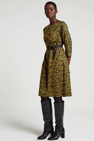 jurk met panterprint en ceintuur groen