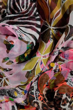 gebloemde zijden sjaal roze