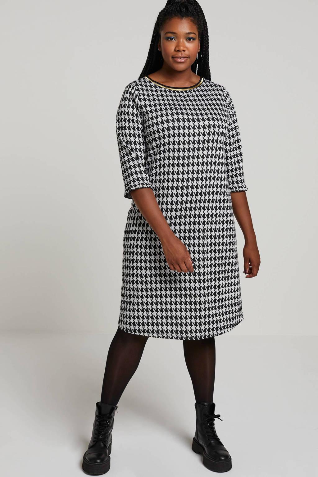 Yesta jersey jurk met pied-de-poule en ruches wit/zwart, Wit/zwart