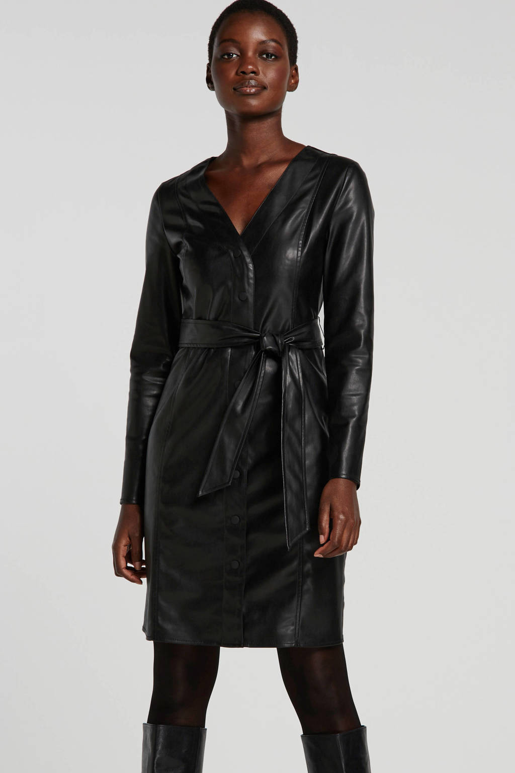Ruby imitatieleren jurk met ceintuur zwart, Zwart