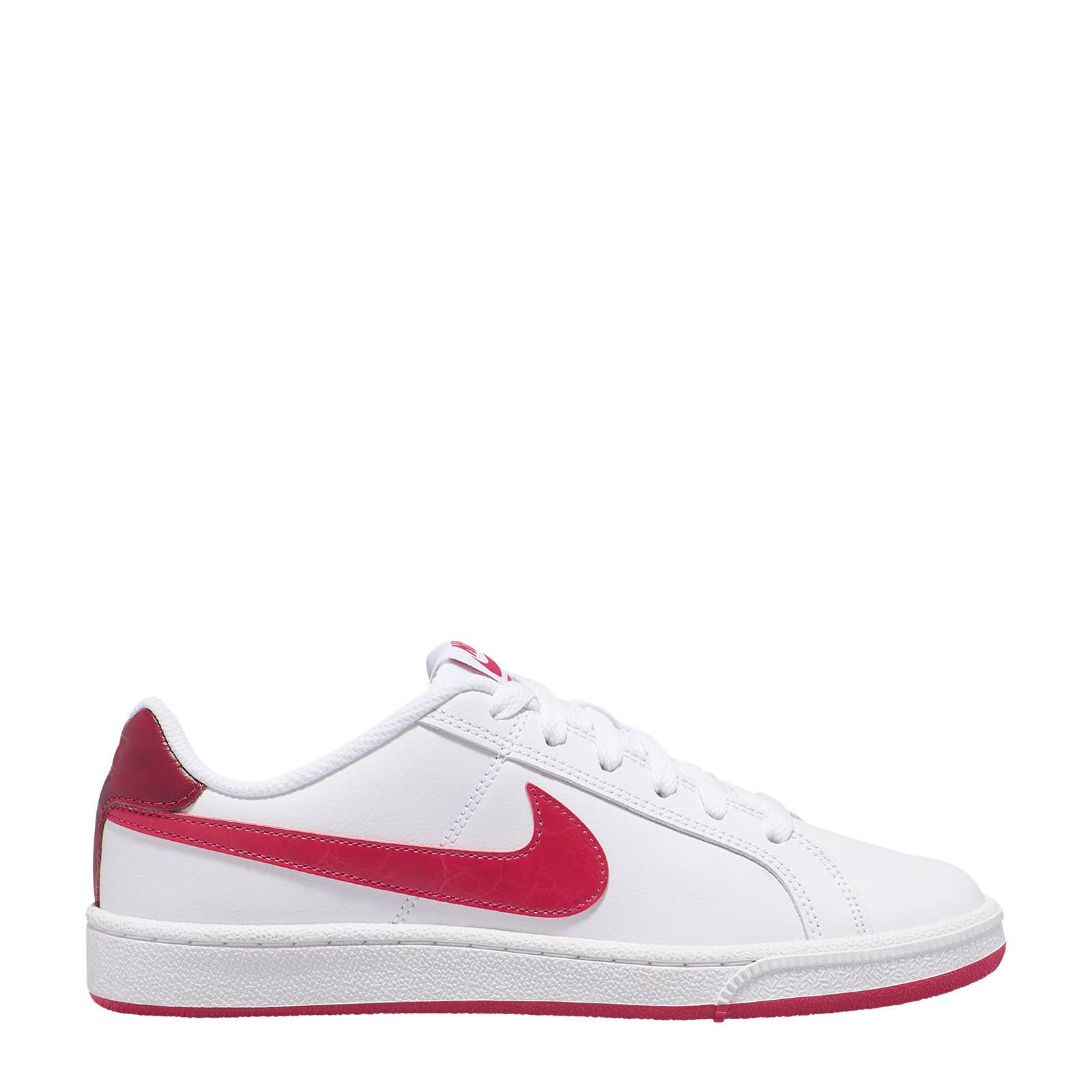 By Photo Congress || Nike Sneakers Wit Rood
