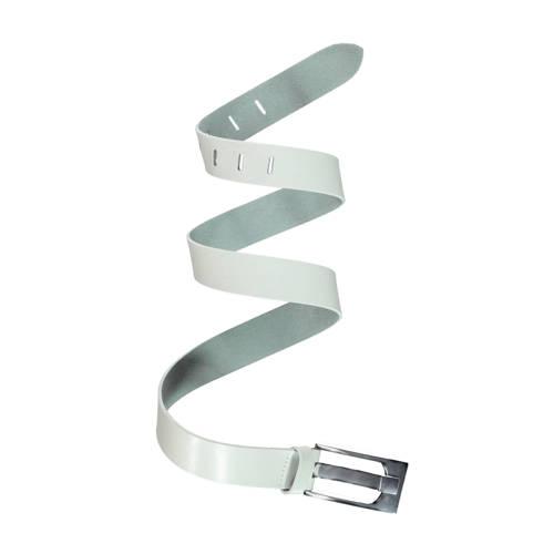 Claudia Sträter Riem met een zilverkleurige gespsluiting in gebroken wit